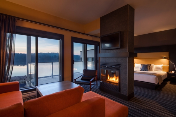 Hotel Avec Bain Tourbillon Dans La Chambre Montreal