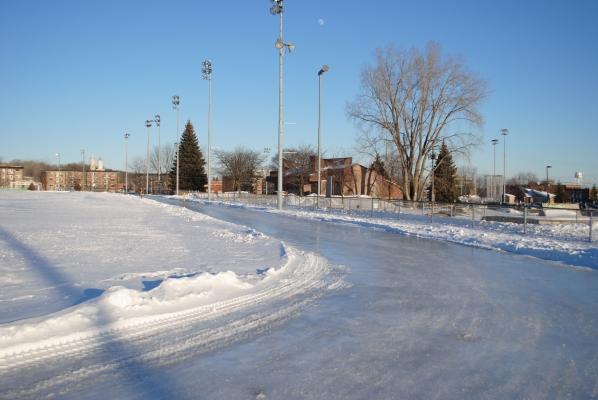 Ville de Sainte-Thérèse - Anneau de glace