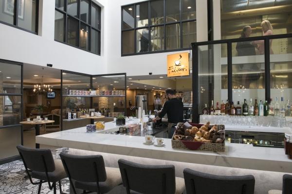 Lobby-Bar avec son menu café ouvert de 7h à 22h