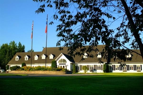 Club de golf la vall e de ste ad le tourisme laurentides for Club piscine des laurentides