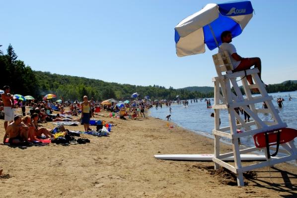 Public beach at lac des Sables