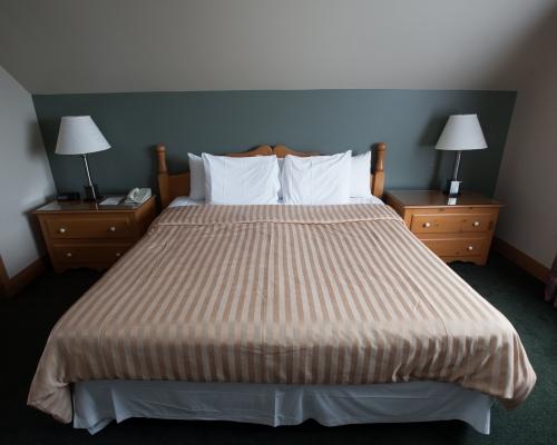 Hôtel Le Chantecler - Room