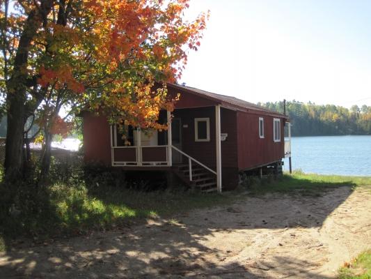 Pratiquement tous nos chalets ont une vue directe sur le lac