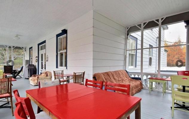 Le Provincialart_Outdoor dining room