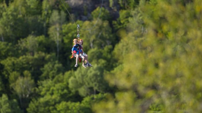 Tyrolienne, Via Ferrata, Laurentides, Mont-Tremblant, Ste-Agathe, Nature, Famille, Activité