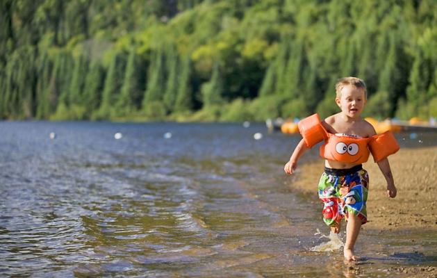 Parc national du mont tremblant lac monroe beach for Lac miroir mont tremblant