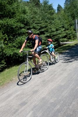 Activité famille, location Canot, canöe, location vélo, groupes scolaires, groupe corporatif, Val David, Mont-Tremblant