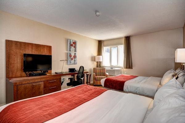 Chambre traditionnelle avec 2 grands lits