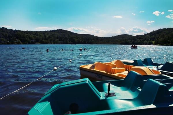 Pédalo sur le lac Rond