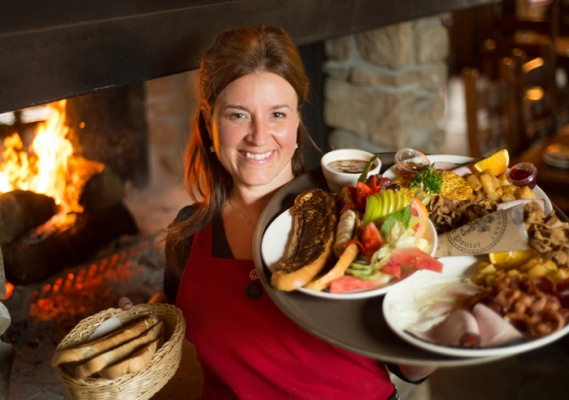 Au Petit Poucet - Déjeuners Cuisine québécoise authentique