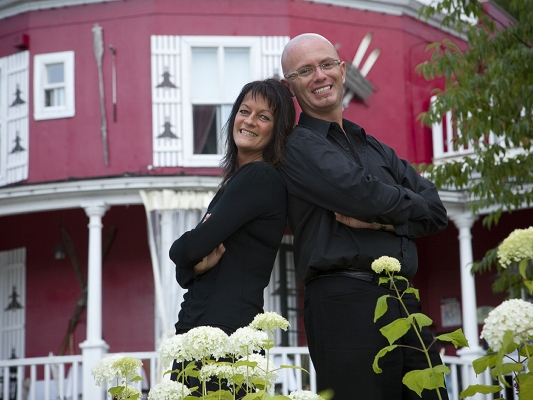 your host Nathalie & Mario