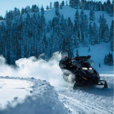 Snowmobile, ski Doo, Laurentians, Mont-Tremblant activity